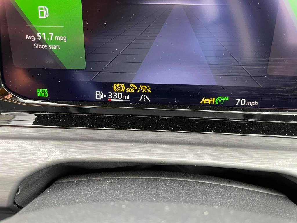 Photo of the dashboard showing multiple error lights