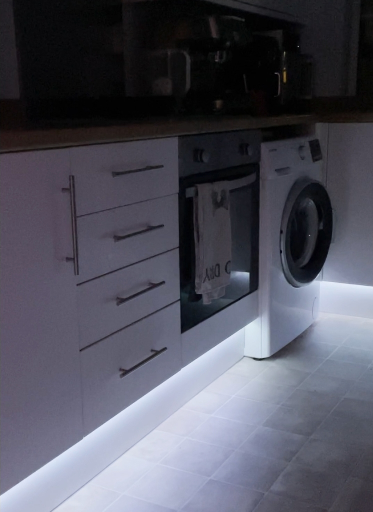 Photo of the kitchen showing the installed lights